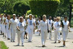 Nhân Ngày Phụ nữ: Ô buồn trên ngực